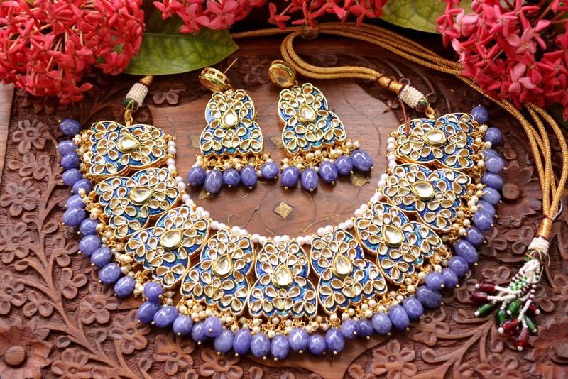 a kundan jewelry set