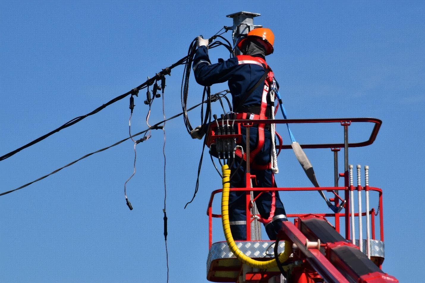 Safety Tips for Electricians and Field Service Professionals