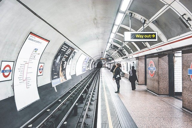 Importance of Live Video Monitoring in Subway